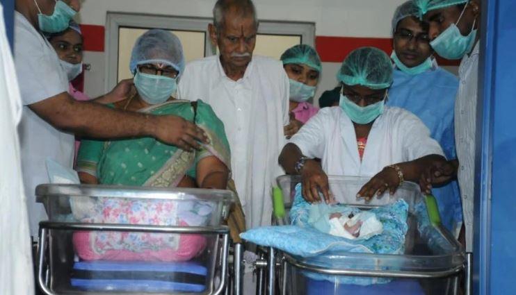 ФОТО: Индијка по 57 години обидување стана мајка, роди близначиња на 74 години
