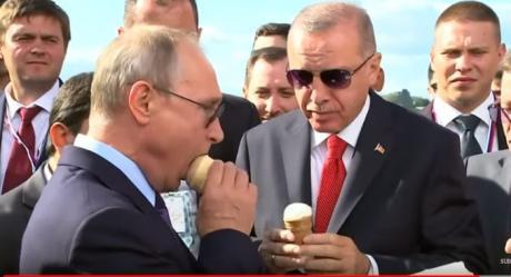 "ВИДЕО: ""Ќе платиш ли и за мене"" – Путин му купи сладолед на Ердоган"