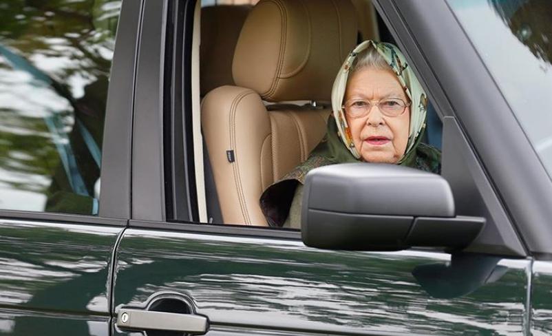 Сите зборуваат за овој чекор на Кралицата Елизабета: Шегата која долго ќе се прераскажува (ФОТО)
