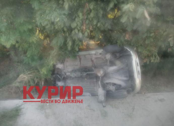 ФОТО: Возило излета кај рампата во Маџари, има повредени?!