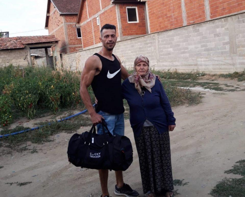 Млад човек од Слупчане го напушта родното место: Прости ми мајко што заминувам, но тука немам излез (ФОТО)