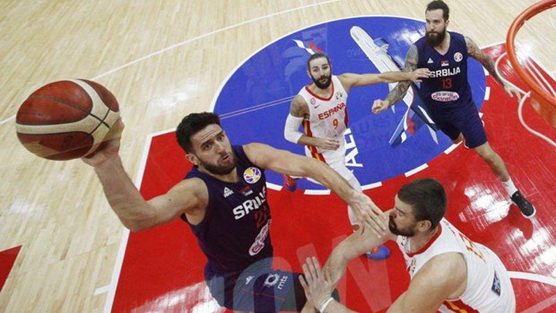 ТРАГЕДИЈА ДОДЕКА Е ДАЛЕКУ ОД ДОМА- српски репрезентативец доби тажна вест додека игра на мундијалот (ФОТО)