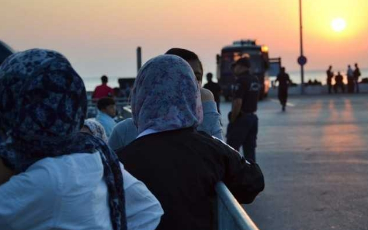 Мигранти и бегалци пронајдени во објекти под опсада во Атина