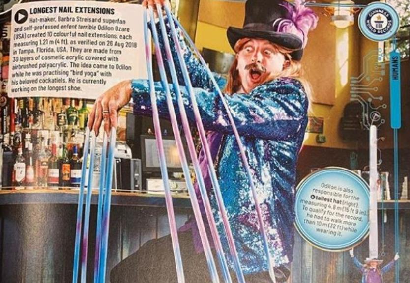 ФОТО: Гинисов рекорд за најдолги вештачки нокти, овој маж подготвува многу повеќе!