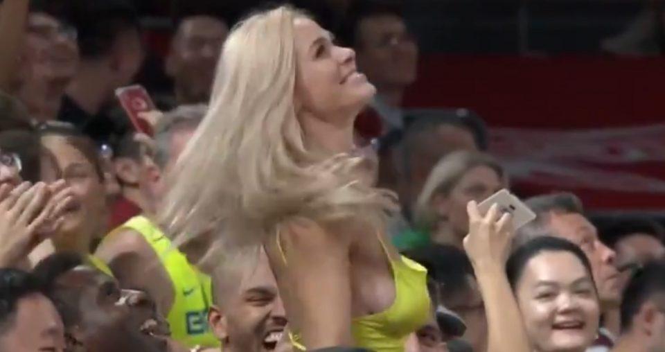 Славниот кошаркар остана без зборови: Кога оваа згодна девојка се појави без градник, сите се збунија (ВИДЕО)