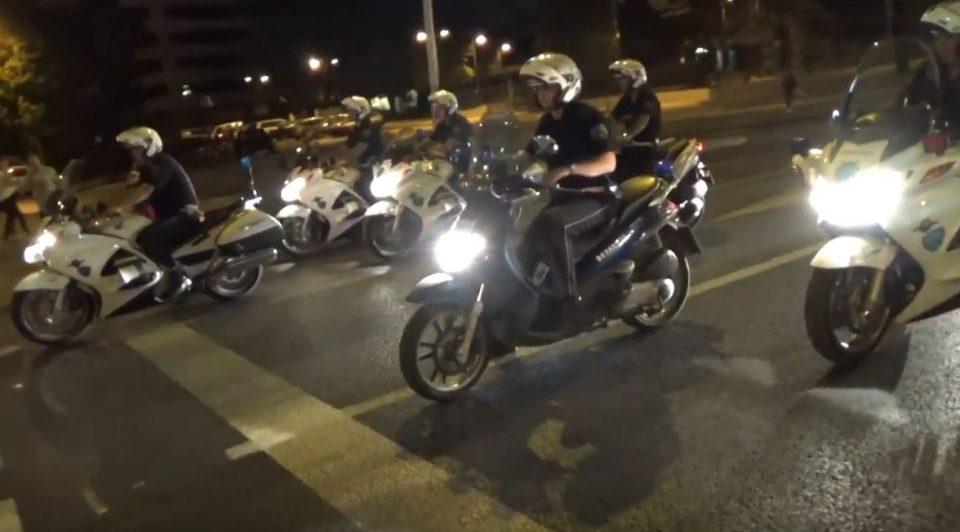 Близу 200 казни за возачи на мотори и автомобили во Скопје- при преглед на еден мотоцикл пронајдени и дрога, два ножа и боксирач