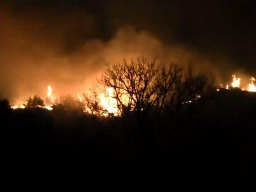 Нов пожар вечерва во Скопје- на ова место пожарникарите се борат со огнената стихија!