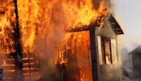Целосно изгоре куќа во Кичево – уапсен сопственикот
