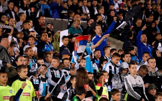 ВИДЕО/ФОТО: Собраа 20.000 деца на стадион и покрај суспензијата