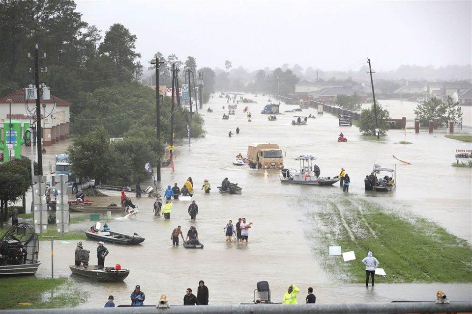 Поплави во Тексас, спасени 60 луѓе