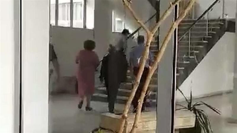 ВИДЕО: Јанева со лисици спроведена во Обвинителство