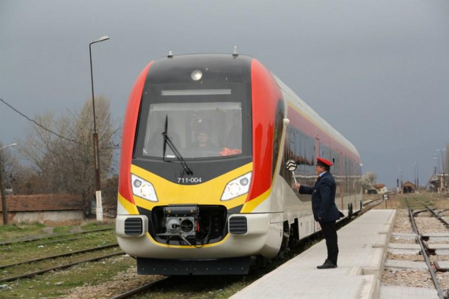 Страшна несреќа во Скопје: Товарен воз удри во маж