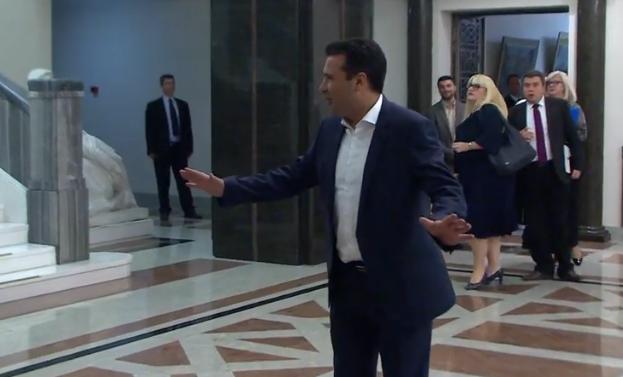 Заев: Нема одлагање на изборите, на 3-ти јануари давам оставка