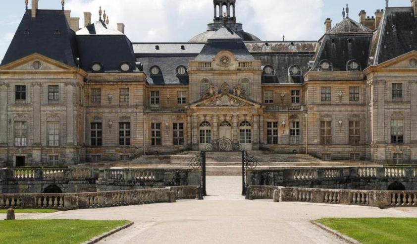 Ограбен замок во близина на Париз