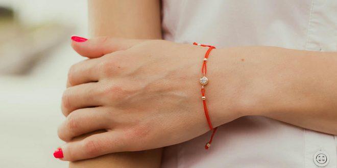 Христијани носат црвен конец: Круг околу раката со посебно значење, но религијата вели нешто друго
