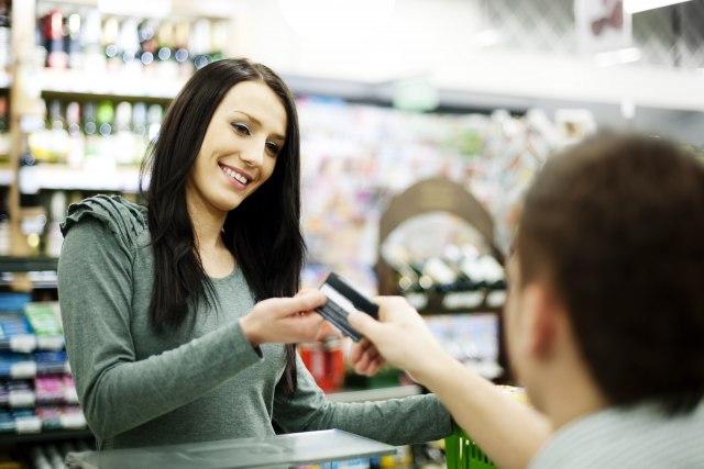 Плаќањето со картичкa во иднина ќе се врши со отпечаток од прст?