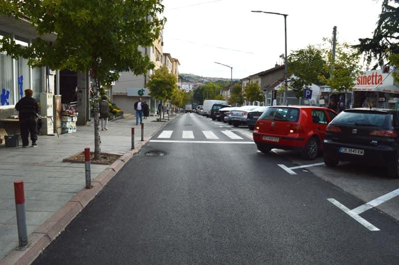 Само денес асфалтирани три улици во Кавадарци