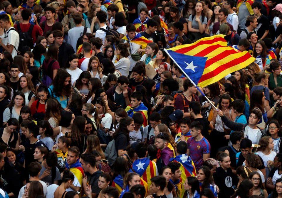 Во цела Каталонија е прогласен генерален штрајк