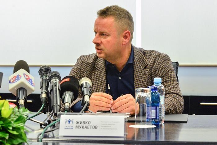 """Фондацијата """"Трајче Мукаетов"""" додели стипендии за 42 студенти по фармација и медицина"""