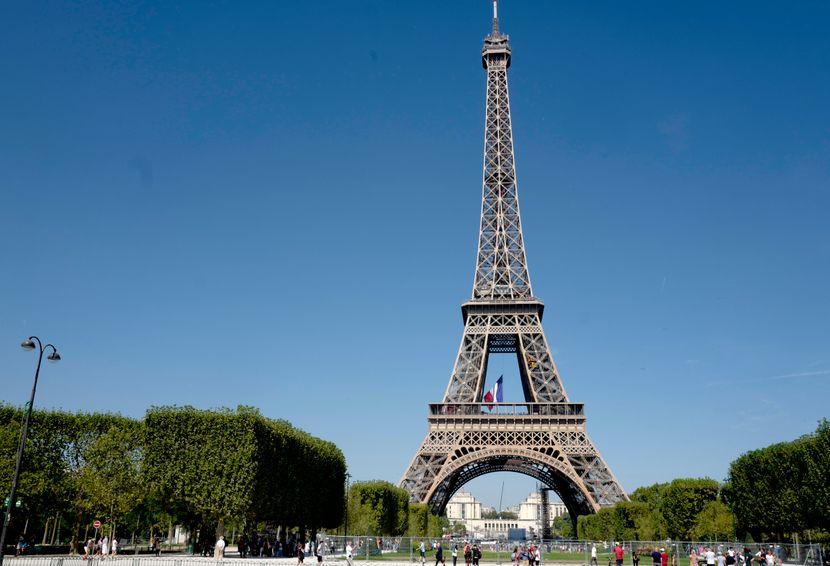 Германија ги предупреди своите граѓани да не патуваат за Париз и Азурниот брег
