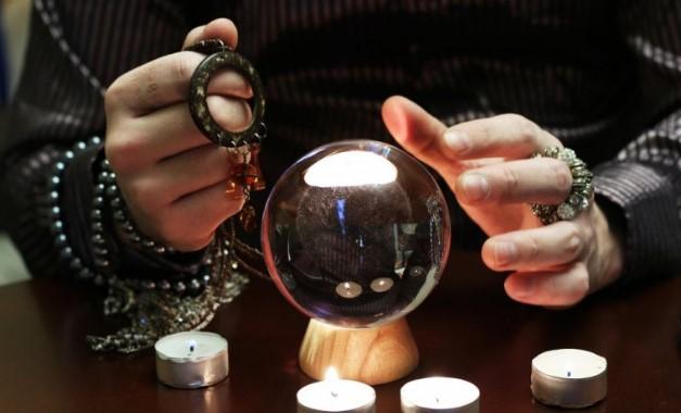 Наседнале: Гатачка ги терала да и го дадат накитот на чување за да успее магијата