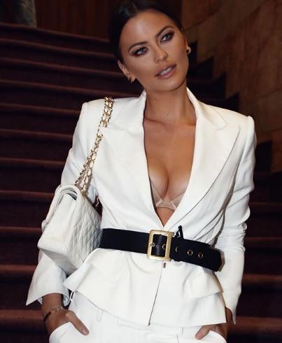 Пејачката Милица Павловиќ направи целосна трансформација- го промени имиџот и фризурата, по овој секси тренд лудуваат мажите (ФОТО)
