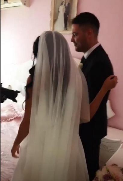 Несекојдневен чин на свадбата на српскиот пејач: Дошол по невестата, но го чекал услов (ФОТО)