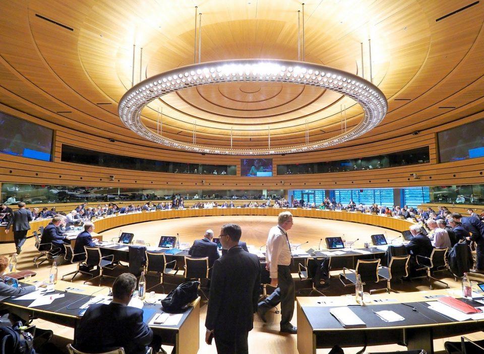 Членките на ЕУ не постигнаа договор за почеток на преговорите со Македонија и ЕУ