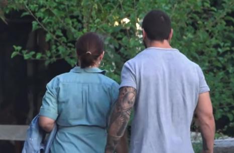 Му врати со иста мера: Кога ќе видите каде ја фати Вељко среде улица бремената Сека Алексиќ ќе подзинете (ВИДЕО)
