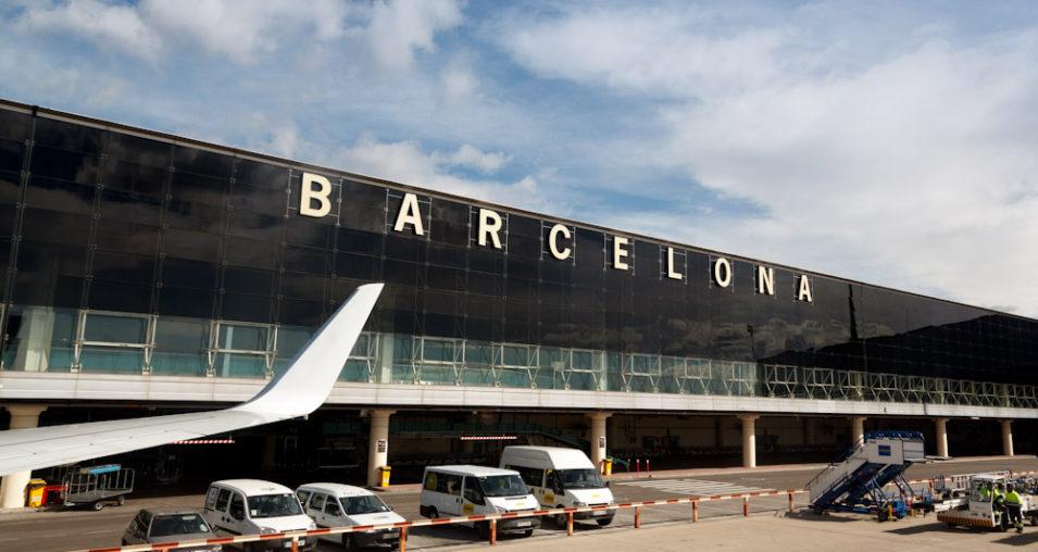 Откажани 45 летови во Барселона поради штети на аеродромот од протестите