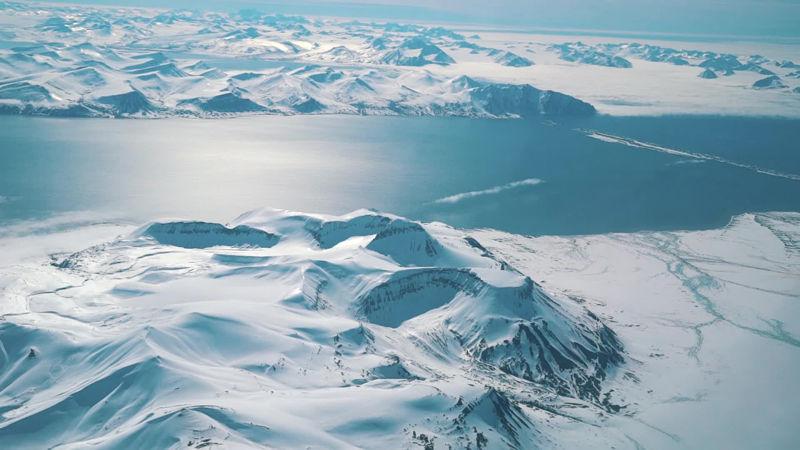 На Арктикот пронајдено кафе старо над еден век