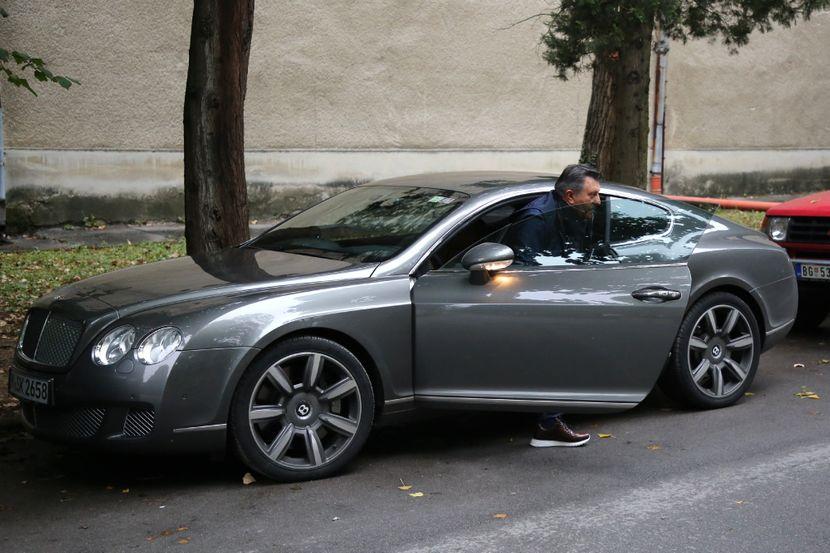 """Овој пејач го вози најскапиот """"ѕвер"""" на српската естрада (ФОТО)"""