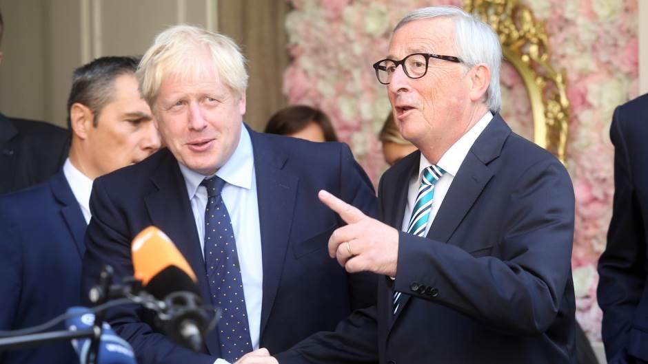ЕУ и Британија постигнаа договор за Брегзит