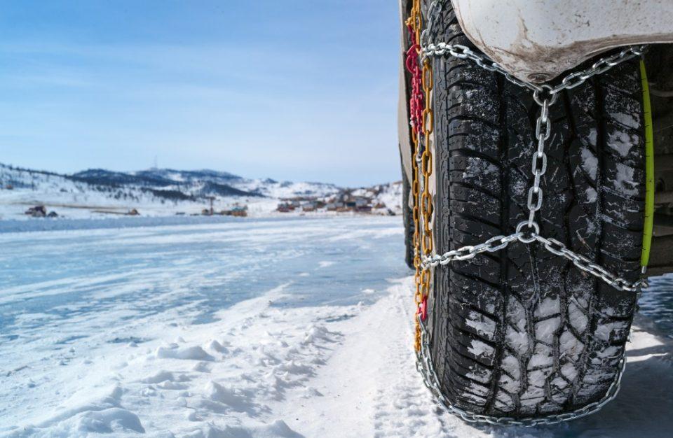 Задолжителна зимска опрема: Што мора да имате од 15 ноември?