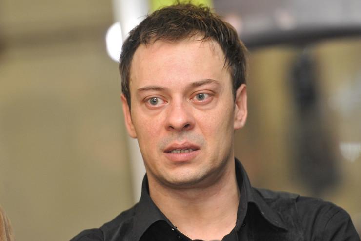 """Познатиот актер од """"Ми нисмо анџели"""" осуден на 10 месеци затвор"""