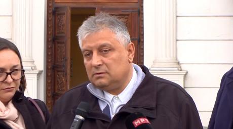 (ВИДЕО) Беговиќ: Неисполнетото ветување за платите на крај завршува со гурбет на лекарите на Запад