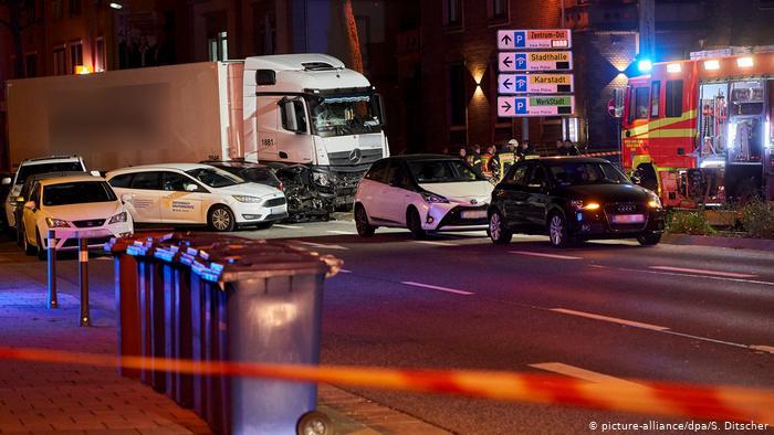 ФОТО: Тешка несреќа во Германија, најмалку 17 повредени