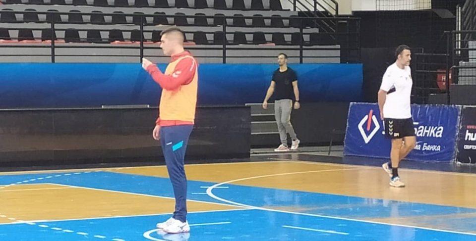 Се врати во Скопје: Игор Караџиќ на тренинг на Вардар