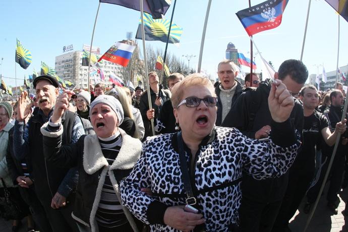 Киев: Протести против планот на Зеленски за локални избори во источниот дел на Украина