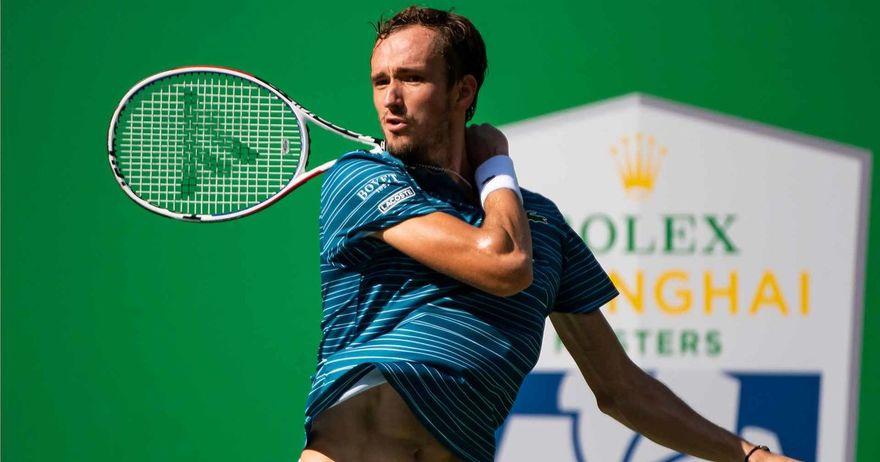Медведев преку Ѓоковиќ до полуфиналето на АТП турнирот во Лондон