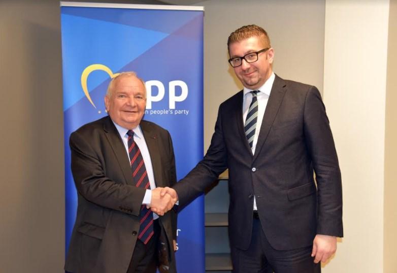 Претседателот на ЕПП, Дол бара почеток на преговорите за Македонија, вродуваат со плод лобирањата на Мицкоски