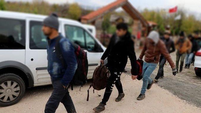 33 мигранти пронајдени во село во Струмица
