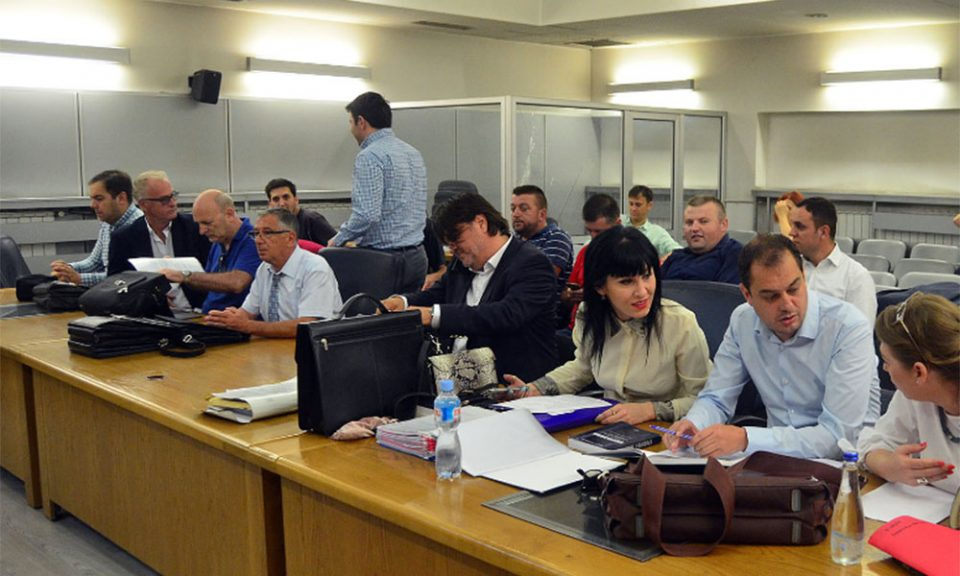 Судењето за насилствата пред Општина Центар вратено на почеток