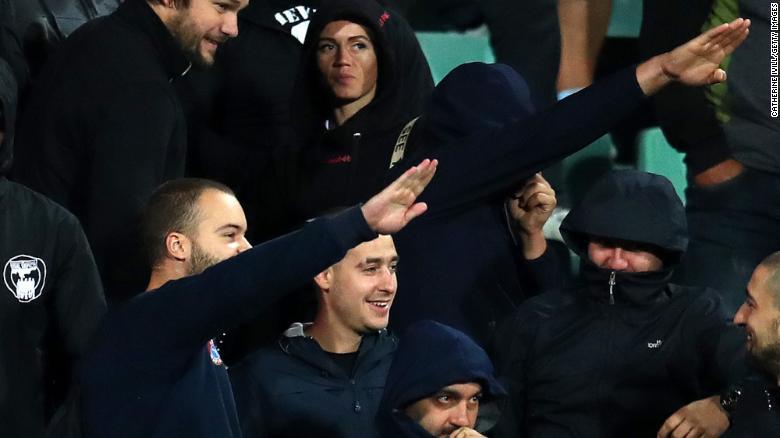 Уапсени петмина бугарски навивачи за расистички навреди