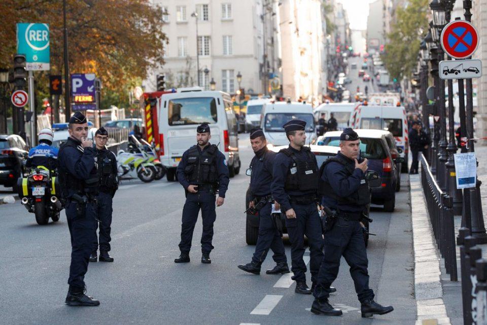Париз: Напаѓачот имал информации за колегите, се стравува дека ги поделил
