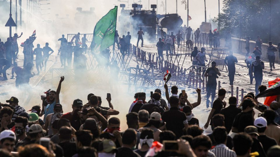 Се зголемува бројот на загинатите во протестите во Ирак