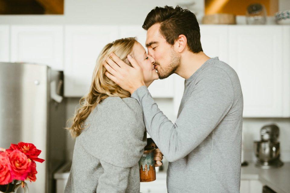 Знаци во првите шест месеци од врската што покажуваат дека ќе трае долго