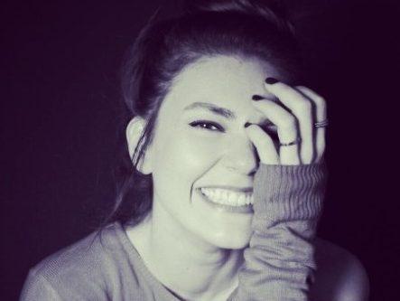 """Здравствената состојба не ја спречи """"Истанбулската невеста"""" да го оствари сонот: Животната приказна на турската актерка не е лесна"""