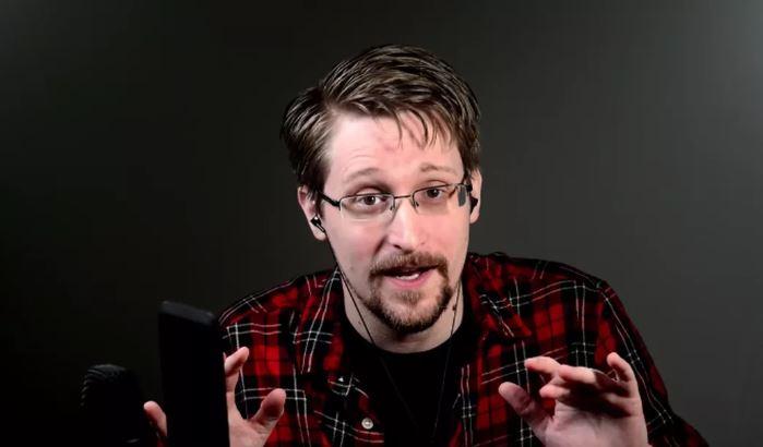 Сноуден ги пребарувал сите мрежи на ЦИА: Открива дали вонзејмани ја контактирале Земјата