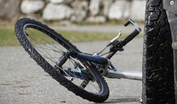 Велосипедист од Скопје со тешко повреди пренесен на ургентен